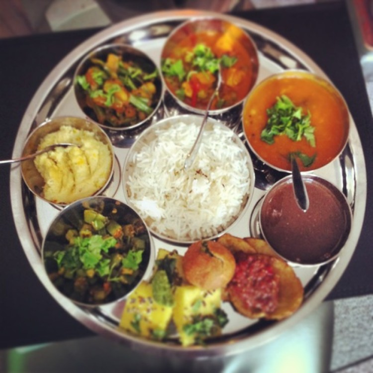 Full  Vegetarian Thali